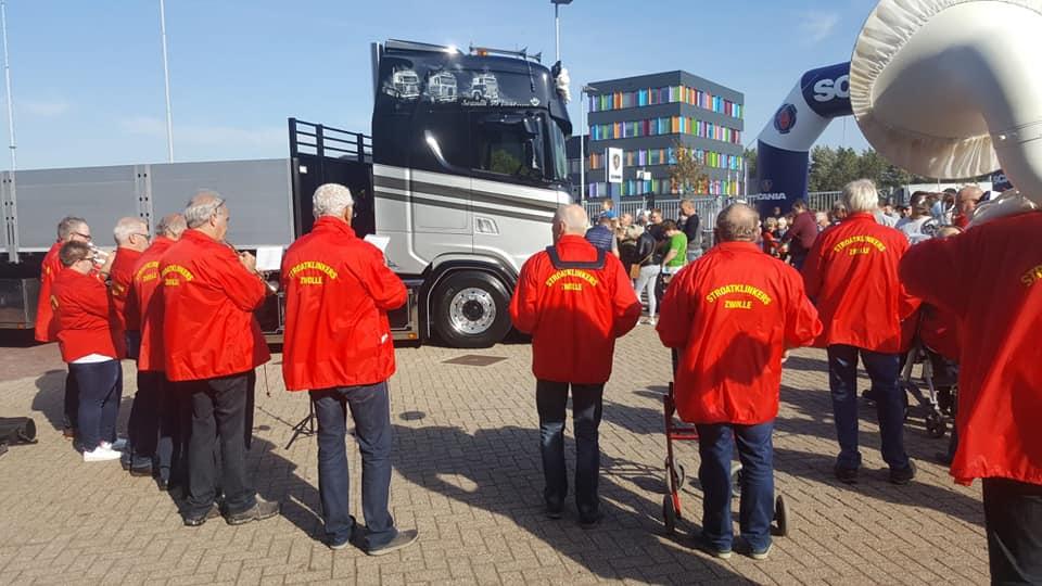 Sfeervolle Familiedag bij Scania Zwolle
